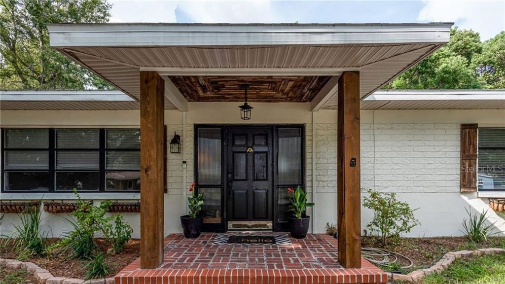 What $300K gets you in Tampa Bay's real estate market
